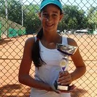 Uspesi i u tenisu i u školi